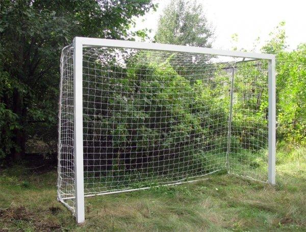 Как сделать футбольные ворота своими руками в домашних условиях